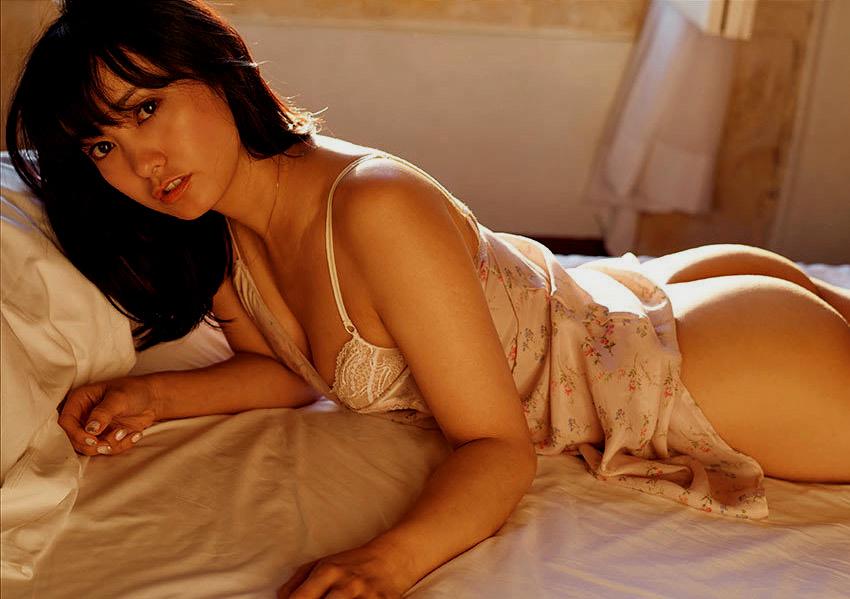 【画像】脊山麻理子Part1(フリーアナウンサー,グラビアアイドル)尻見え画像,Seyama Mariko